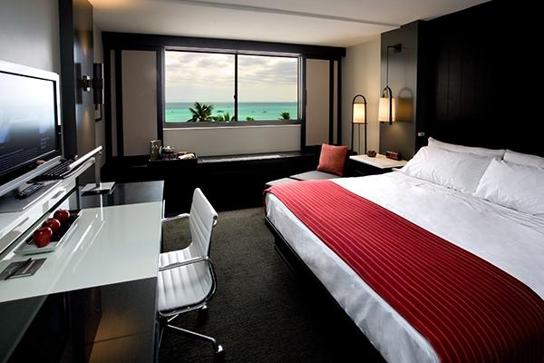 HotelRenewbyAston_PremierOceanViewKingBedRoom