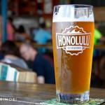カカアコエリアでハワイの地ビールが昼間から楽しめちゃう「ホノルル・ビアワークス」